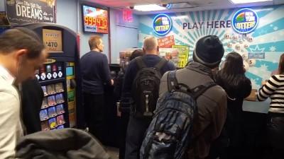 ABD'de şans oyunu 'Mega Millions Lottery' 1 milyar dolara yükseldi - NEW YORK