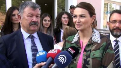Azeri kadın vekil Paşayeva, MPT-76 ile atış yaptı
