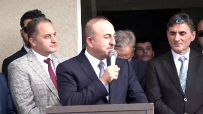"""- Bakan Çavuşoğlu, Kosova'da Mamuşa Belediyesini ziyaret etti - Dışişleri Bakanı Mevlüt Çavuşoğlu: - """"Türk toplumunun ne ihtiyacı varsa karşılamak için daha çok çalışacağız"""""""
