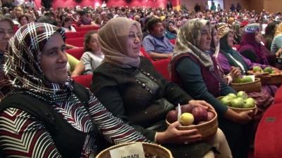 Bilgi ve kültür yarışmasında kadın çiftçilere ödül yağdı... 122 kadın çiftçiyi geçip 14 bin TL'nin sahibi oldu