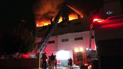 Mersin'de tekstil atölyesinde yangın korku dolu anlar yaşattı