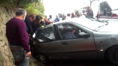agir yarali - Otomobil ile duvar arasında sıkışan yolcuyu itfaiye kurtardı - DÜZCE