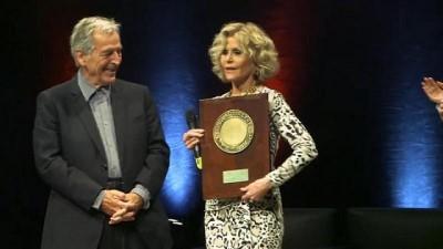 VİDEO | Lumiere Ödülü'nü alan ABD'li Jane Fonda'dan Fransızca şarkı sürprizi