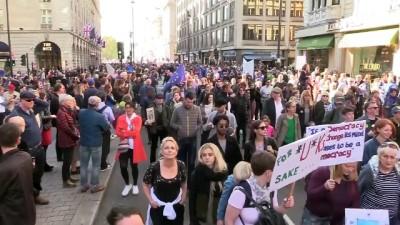 Yüzbinler yeni Brexit referandumu için yürüdü - LONDRA