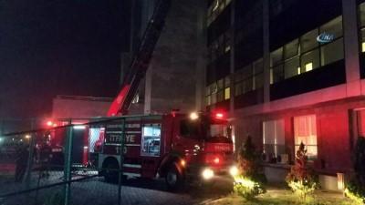 Samsun'da hastanede yangın çıktı: 7 kişi dumandan zehirlendi, 1 hasta kargaşadan yararlanıp kaçtı