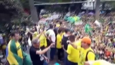 - Brezilya Sokaklara Döküldü