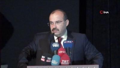 """Bitlis Valisi İsmail Ustaoğlu: """"2019 yılının da Prof. Dr. Fuat Sezgin yılı ilan edilmesinin ardından Bitlis Eren Üniversitesi ve öğrencilerimizle birlikte dolu dolu yaşayacağız"""""""