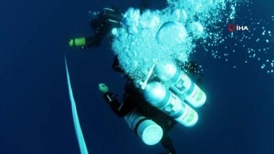 Denizin 65 metre derinliğinde 250 yıllık Rus savaş gemisi bulundu