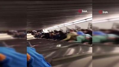 metro istasyonu -  - Roma-CSKA Moskova Maçı Öncesi Yürüyen Merdiven Çöktü - Çok Sayıda Kişi Yaralandı