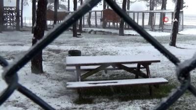 Düzce'de mevsimin ilk karı düştü