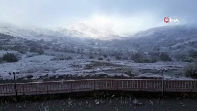 hava sicakligi -  İzmir'e mevsimin ilk karı düştü