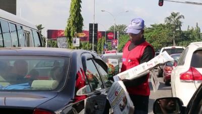 Nijerya'da sokakta gazete satanlar internetten olumsuz etkileniyor - ABUJA