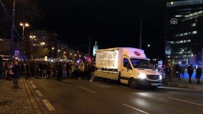 Avusturya'da hükümet karşıtı gösteri - VİYANA