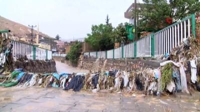 Mardin'de dereler taştı, asfaltlar yarıldı