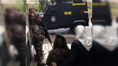Şehit özel harekat polisinin kızına sürpriz