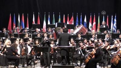 Tekfen Filarmoni Orkestrası Mersin'de sahne aldı
