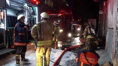 Bayrampaşa'da iş yeri yangını - İSTANBUL