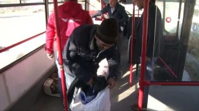 bir ayrilik -  Bozuk halk otobüsünde kalan adama devlet sahip çıktı