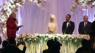 Meclis Başkanı Yıldırım'dan nikahta gençlere esprili öğüt... 'Telaşlanmayın, bakan babanız o uzun yolları duble haline getirdi'