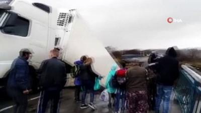 agir yarali -  - Rusya'da Köprü Çöktü: 1'i Çocuk 2 Kişi Öldü
