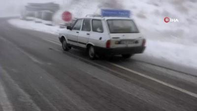 Tunceli'de kar ve tipi etkili oldu