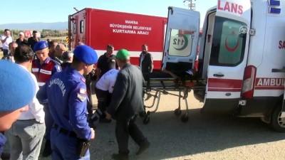 servis araci - Hasta servisi ile işçileri taşıyan traktör çarpıştı: 5 yaralı - MANİSA