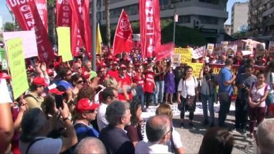 İzmir'de işçiler yarım gün iş bıraktı