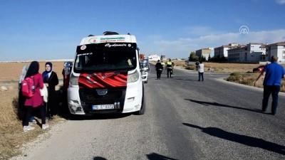Okul servisi ile otomobil çarpıştı: 3 yaralı - KARAMAN
