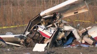 Antalya'da eğitim uçağı düştü (5)