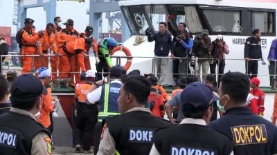 Endonezya'da yolcu uçağının denize düşmesi - Denizden cansız bedenler çıkarılıyor - CAVA