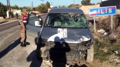 Trafik kazası: 3 yaralı - KİLİS