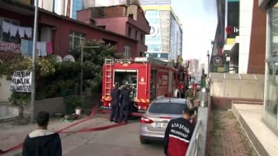 polis imdat -  Ataşehir'de tinercinin yaktığı iddia edilen bina itfaiyeyi alarma geçirdi