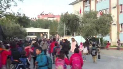 sahit -  Aydın'da okulda yangın paniği: Eğitime 1 gün süreyle ara verildi
