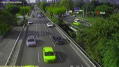 servis araci -  Bakırköy sahilinde gerçekleşen servis aracı kazası kamerada