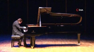 piyanist -  Fazıl Say, İzmir'i anlatan dev eserini ilk kez çaldı