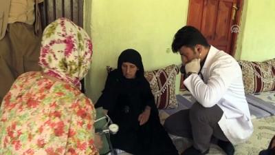 saglik ekibi - Irak sınırındaki köylerde sağlık taraması - HAKKARİ