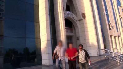 Konya'da motosikletli polislerin zanlı kovalarken ağaca çarpması