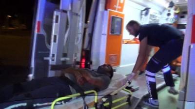silahli kavga -  Gözaltındaki şahsa ateş açan grup ile polis çatıştı: 11 yaralı