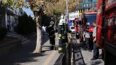 itfaiye araci - İtfaiyeden mazgaldaki dumana 'sürahiyle' müdahale - GAZİANTEP