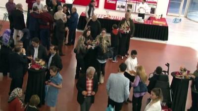 Zeytinburnu Kültür Sanat sezonu resim sergisiyle açıldı