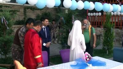 ozel harekat polisleri - Çukurca Emniyet Müdürlüğünün bahçesinde nikah merasimi - HAKKARİ