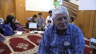 İmam, öğrencileri camide geleceğe hazırlıyor - MUŞ