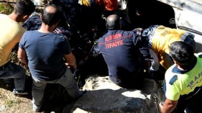 saglik ekibi - Otomobil su kanalına düştü - KAYSERİ