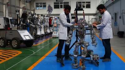 ustun yetenek - Adım atan robot 'Akıncı-4' görücüye çıktı - KONYA