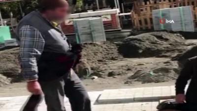 Ağrı'da dilencilerin yer kavgası kamerada