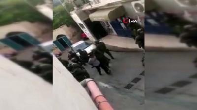 multeci -  - İsrail Askeri Filistinli Baba Ve Oğlunu Evlerini Basarak Gözaltına Aldı