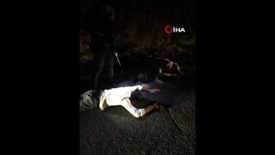 Polis ekipleri bomba yüklü araç ile birlikte 3 terörist sağ olarak yakalandı