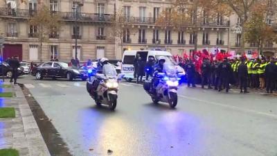 Cumhurbaşkanı Erdoğan, Fransa'da sevgi gösterileriyle karşılandı (1) - PARİS