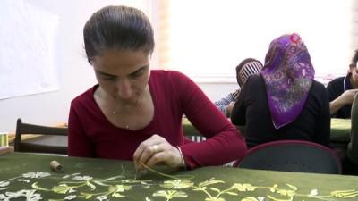 kisla -  Osmanoğlu Mustafa'nın türbe örtüsü Kayseri'de yapılıyor