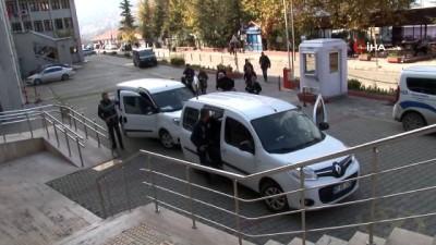Sahte polisler dolandırıcılık suçundan tutuklandı